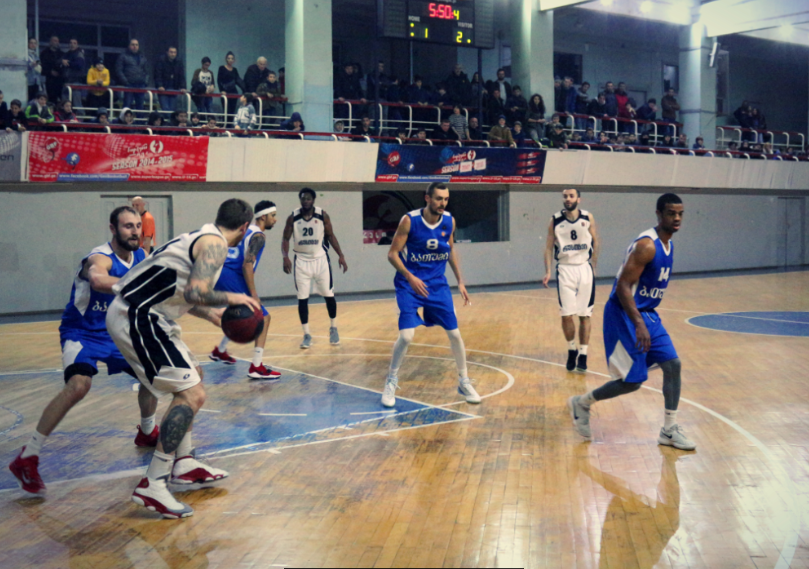 Rustavi easily defeated Batumi
