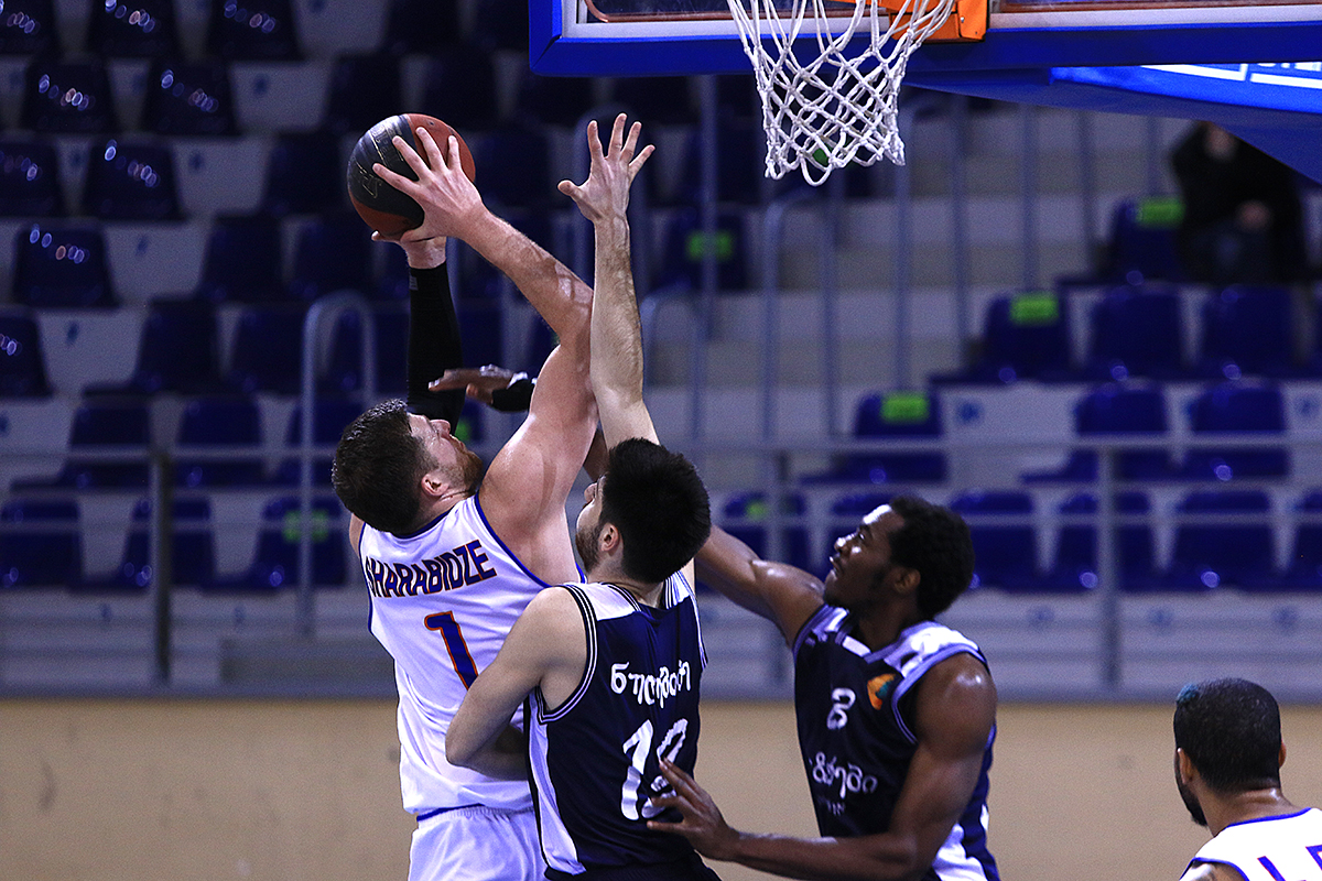 Dinamo defeated Mgzavrebi with 15 points