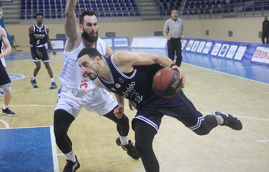 Kakha Jintcharadze's 33 points and Olimpi's victory with Mgzavrebi